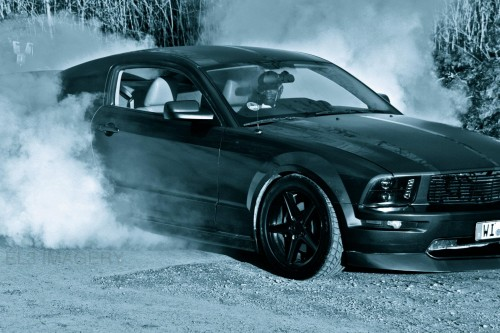 MustangBurnout.jpg