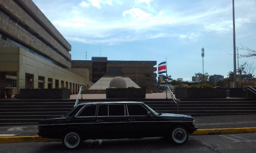 The-Supreme-Court-building-in-San-Jose-COSTA-RICA.-MERCEDES-300D-LIMOUSINA-TOURS.jpg