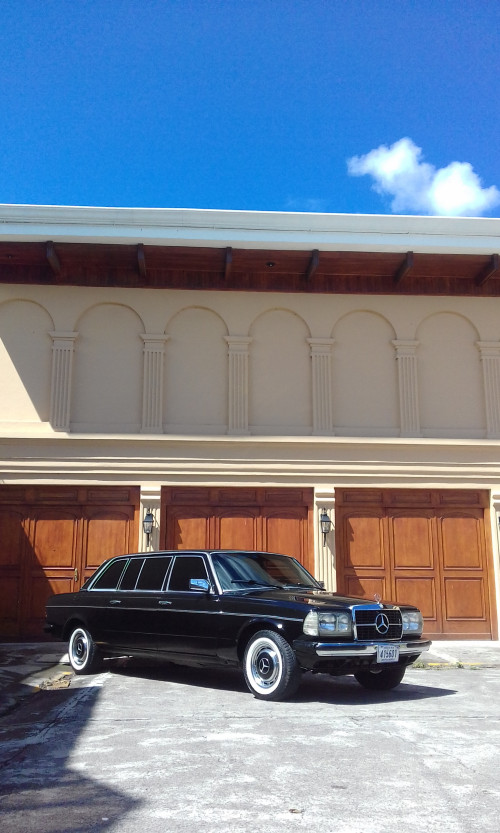 3-car-garage-mansion.-COSTA-RICA-LIMOUSINE-MERCEDES-300D-LANG.jpg