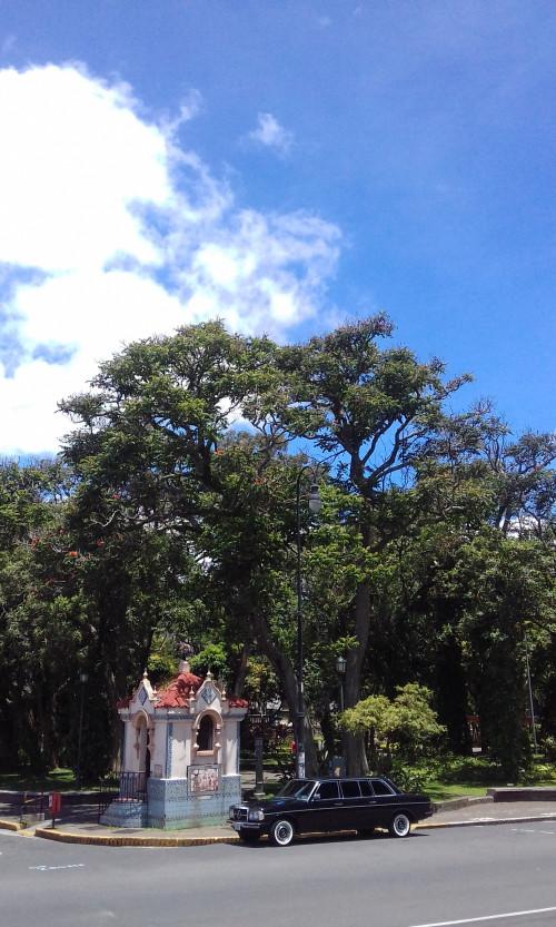 El-Parque-Espana.-COSTA-RICA-MERCEDES-LIMOUSINE-TOURS..jpg