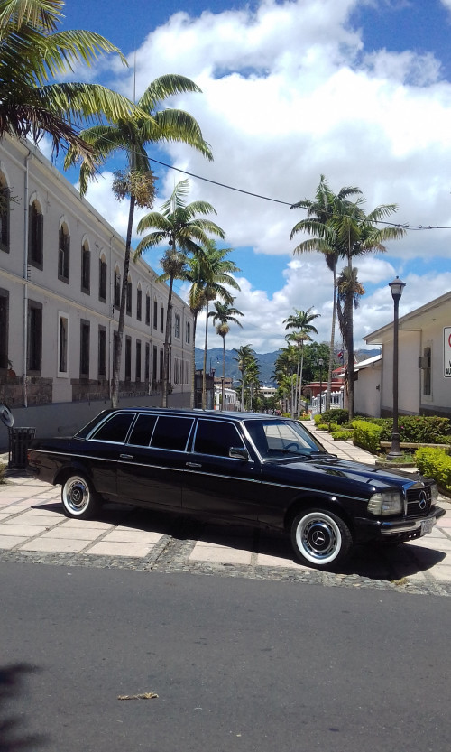 Legislative-Assembly-Complex.-COSTA-RICA-MERCEDES-W123-LIMOUSINE-SERVICE.jpg