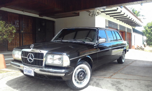 RHORMOSER-MANSION-COSTA-RICA.-MERCEDES-LIMOUSINE-PICK-UP-SERVICE.jpg